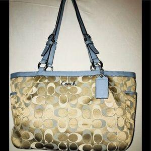 Coach Gallery Handbag F17676
